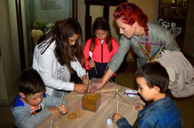 """Изработване на катапулт с образователна инициатива """"Биоигри"""" - Музей на текстилната индустрия - Сливен"""